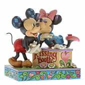 Disney Kissing Booth (Mickey Mouse & Minnie Mouse Figurine)